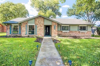 Richardson Single Family Home For Sale: 440 Valley Glen Drive