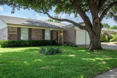 Watauga Single Family Home For Sale: 6008 Kary Lynn Drive S