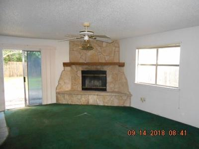 Haltom City Single Family Home For Sale: 5705 Denise Drive