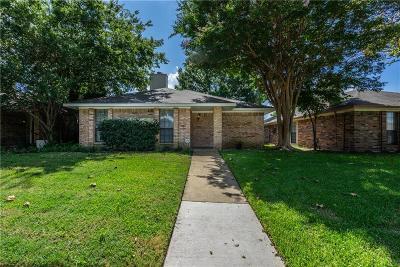 Carrollton Single Family Home For Sale: 2116 Falcon Ridge Drive