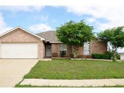 Arlington Single Family Home For Sale: 307 Trailblazer Court