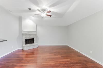 Dallas Single Family Home For Sale: 8427 Creekbluff Drive