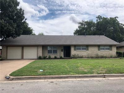 Fort Worth Single Family Home For Sale: 5101 Stacey Avenue