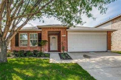 Fort Worth TX Single Family Home For Sale: $209,000