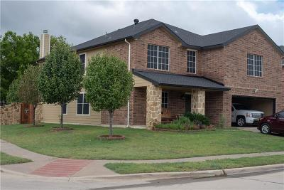 Fort Worth Single Family Home For Sale: 328 Allenwood Drive
