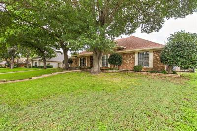 Fort Worth Single Family Home For Sale: 4425 Misty Meadow Drive