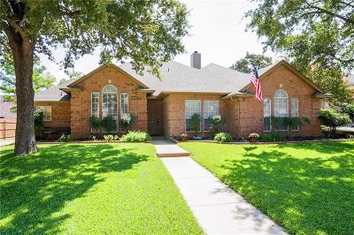 Hurst, Euless, Bedford Single Family Home For Sale: 2716 Montreal Drive