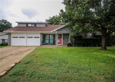 Tarrant County Single Family Home For Sale: 744 Willow Street