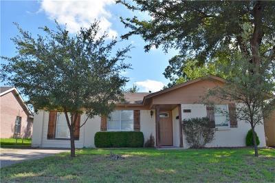 Garland Single Family Home For Sale: 518 Davidson Drive
