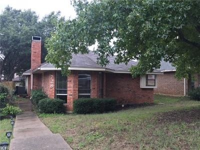 Lewisville Single Family Home For Sale: 728 Red Oak Drive