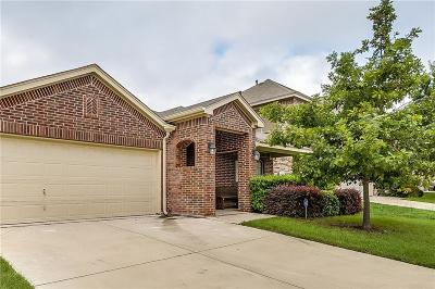 Fort Worth Single Family Home For Sale: 6141 Redear Drive