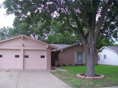 Garland Single Family Home For Sale: 3805 Hillsdale Lane