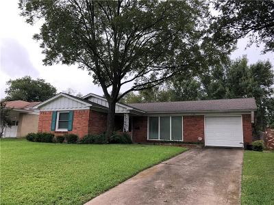 Dallas Single Family Home For Sale: 11312 Lanewood Circle