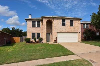 Fort Worth TX Single Family Home For Sale: $214,000