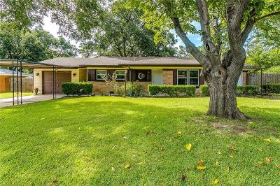 Benbrook Single Family Home For Sale: 402 Childers Avenue