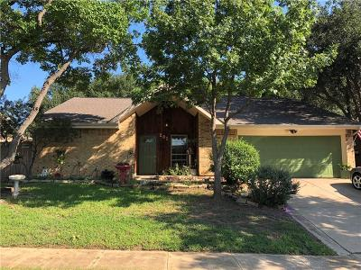 Hurst, Euless, Bedford Single Family Home For Sale: 201 Lark Lane