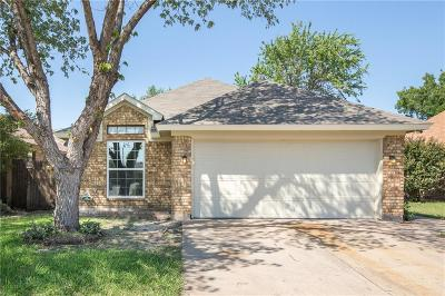 Arlington Single Family Home For Sale: 5706 Spyglass Hill Drive