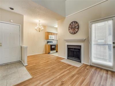 Dallas Condo For Sale: 9747 Whitehurst Drive #92