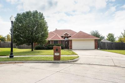 Saginaw Single Family Home Active Option Contract: 505 Cherry Tree Court