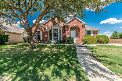Carrollton Single Family Home For Sale: 1828 Garrett Drive