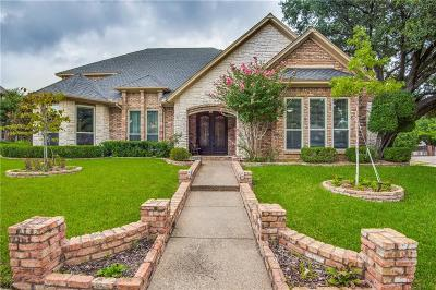 Tarrant County Single Family Home For Sale: 1209 Hillandale Court