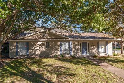 Benbrook Single Family Home For Sale: 1200 Mesquite Trail