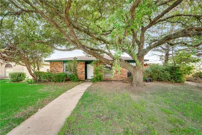 Plano Single Family Home For Sale: 1920 Apple Valley Road