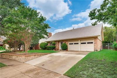 Grand Prairie Single Family Home For Sale: 518 Greenbrook Lane