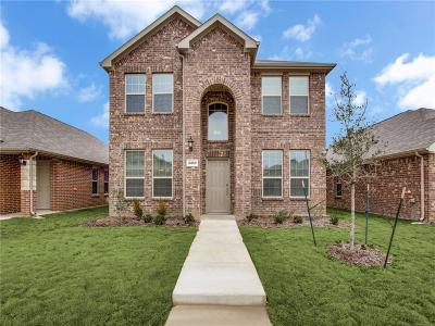 Tarrant County Single Family Home For Sale: 8469 Blue Violet Trail