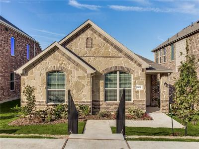 Tarrant County Single Family Home For Sale: 5812 Wake Robin Drive