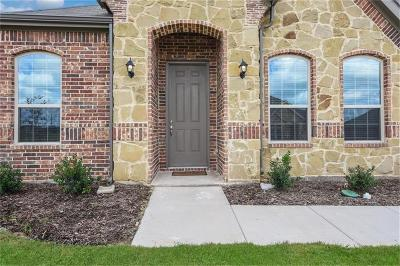 Burleson Single Family Home For Sale: 1521 Grassy Meadows Drive