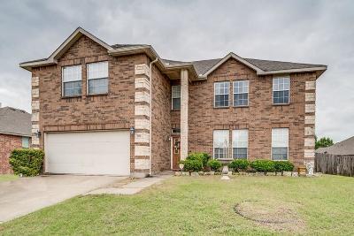 Cedar Hill Single Family Home For Sale: 1710 Summerwood Lane