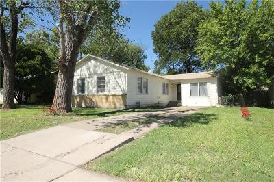 Haltom City Single Family Home For Sale: 4909 Jerri Lane
