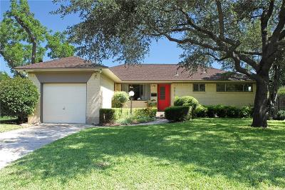 Single Family Home For Sale: 9015 Lydgate Drive