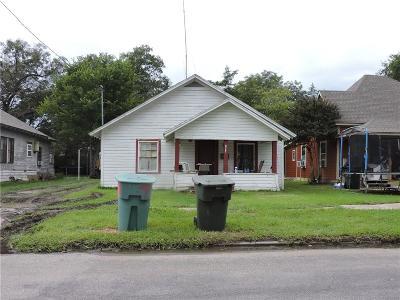 Single Family Home For Sale: 1218 S Walnut Street