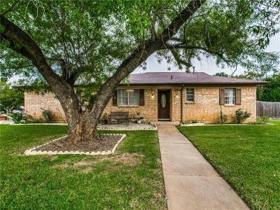 Euless Single Family Home Active Option Contract: 206 Salem Drive