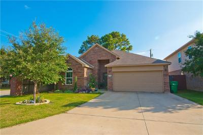 Lake Dallas Single Family Home For Sale: 520 Highpark Court