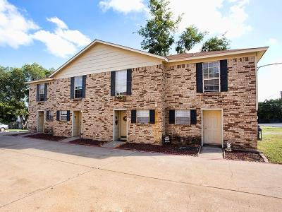 Fort Worth Multi Family Home For Sale: 3733 Reagan Drive