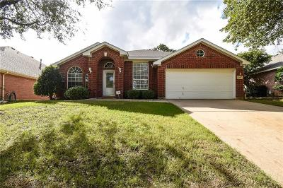 Keller Single Family Home For Sale: 1356 Carriage Lane