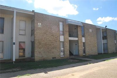 Arlington Multi Family Home For Sale: 1600 E Sanford Street
