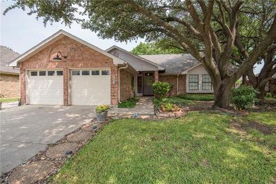 North Richland Hills Single Family Home For Sale: 6852 Megan Lane