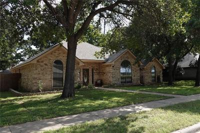 Azle Single Family Home For Sale: 1313 Oak Harbor Boulevard