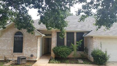 Denton Single Family Home For Sale: 1004 Brittany Drive