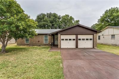 Watauga Single Family Home For Sale: 5828 Rosalyn Drive