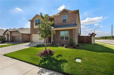 Fort Worth Single Family Home For Sale: 2300 Sundown Mesa Drive