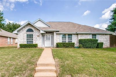 Lewisville Single Family Home For Sale: 725 Blue Oak Drive