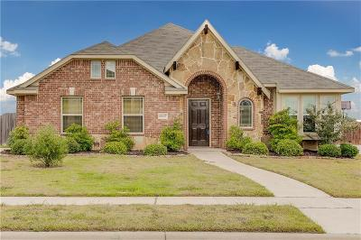 Midlothian Single Family Home Active Contingent: 6637 Thistle Wood Drive