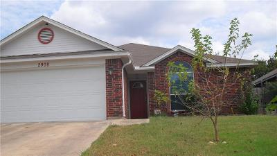 Fort Worth TX Single Family Home For Sale: $132,000