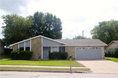 Bedford Single Family Home For Sale: 2620 Pebblestone Lane