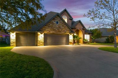 Granbury Single Family Home For Sale: 2505 Pebble Drive